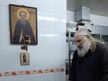 Выпечка хлеба в монастырской пекарне
