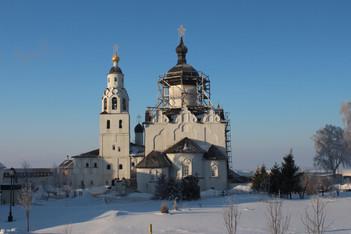 Никольская церковь и Успенский собор XVI век.