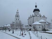Первый снег в обители!