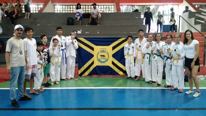 Taekwondo brilha com 24 medalhas no Campeonato Paulista de Coloridas e com o 5º. Lugar por equipe