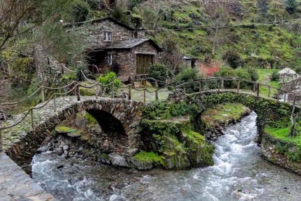 Home_Galeria_SITours_villages01.jpg