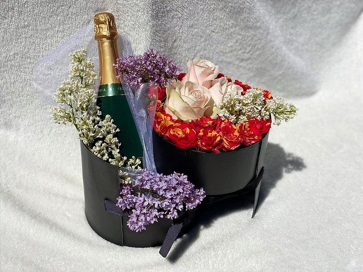 """Aranjament floral """"Alegerea floristului"""" cu vin spumant - Cadou pentru ea!"""