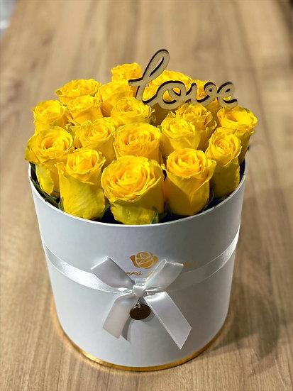 Box alb cu trandafiri galbeni S,M,L