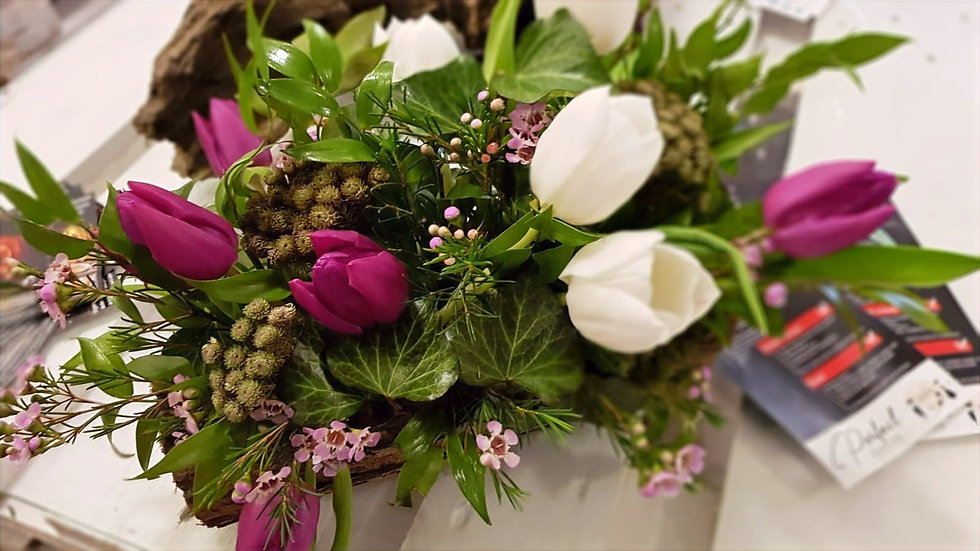 Aranjament floral din lalele