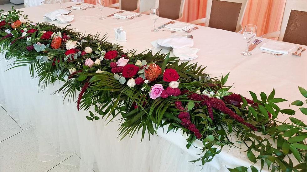 Aranjamente florale masa de prezidiu