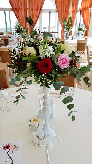 Aranjamente florale masa de invitati