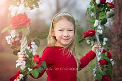 #valentineminis #valentinesday #swingset #childphotographer #child #simplyjoy #simplyjoyphotography
