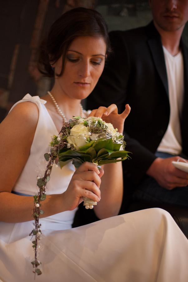 Wedding dress, bow on the shoulder