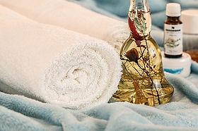 massage-therapy-1612308_640.jpg