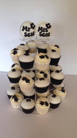 Black & White Wedding Cupcakes