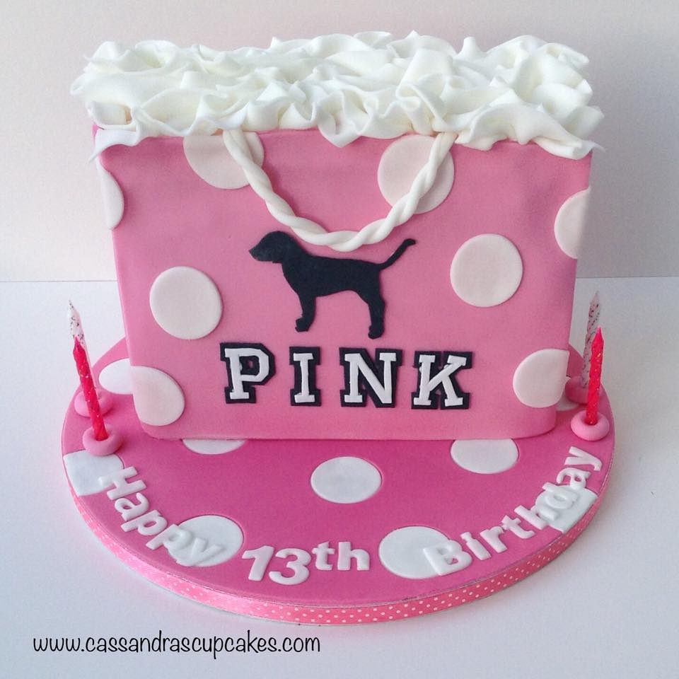 Victoria's_Secrets_Pink_shopping_bag_cake