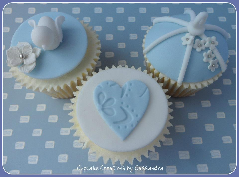 White Dove Design Wedding Cupcakes