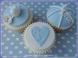White Dove Design Wedding Cupcakes