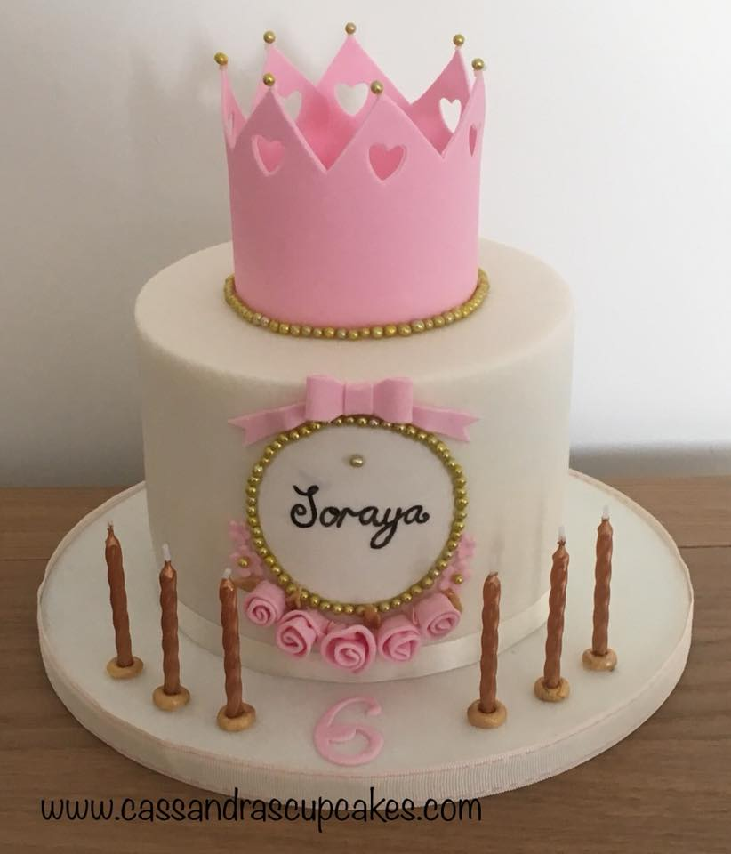 Princessy crown cake