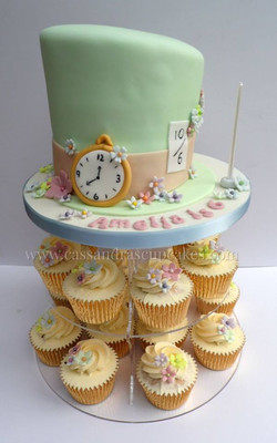 Alice in Wonderland Mad Hatters Tea Party Cake & Cupcakes