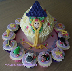 Tangled themed giant cupcake and matching cupcakes