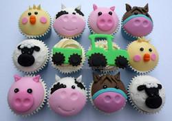 Farm animal themed cupcakes