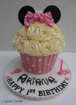 Minni Mouse Themed Giant Cupcake