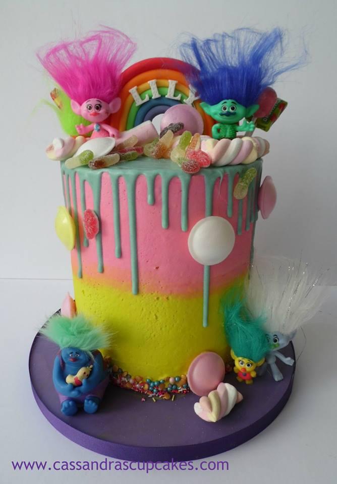 Trolls sweetie drip cake