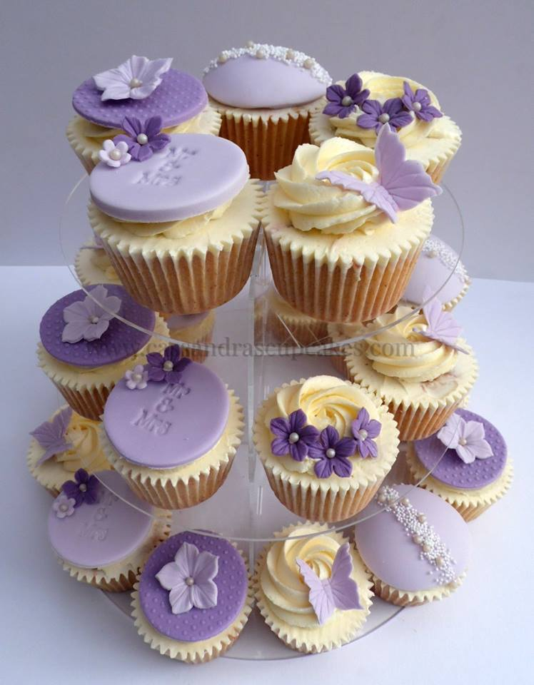 Pretty Lilac themed Wedding Cupcakes