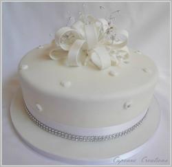 Loopy Bow Glam Wedding Cake