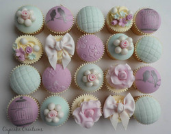 Pretty Vintage Themed Cupcakes