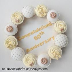Golden wedding cupcakes
