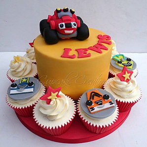 Cupcakes together with Watch likewise 1954 Godzilla Cake For Zophiel in addition Enfants together with Festa Monster High. on monster cupcakes