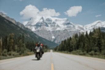 Kanada-Motorrad&Berge.jpg