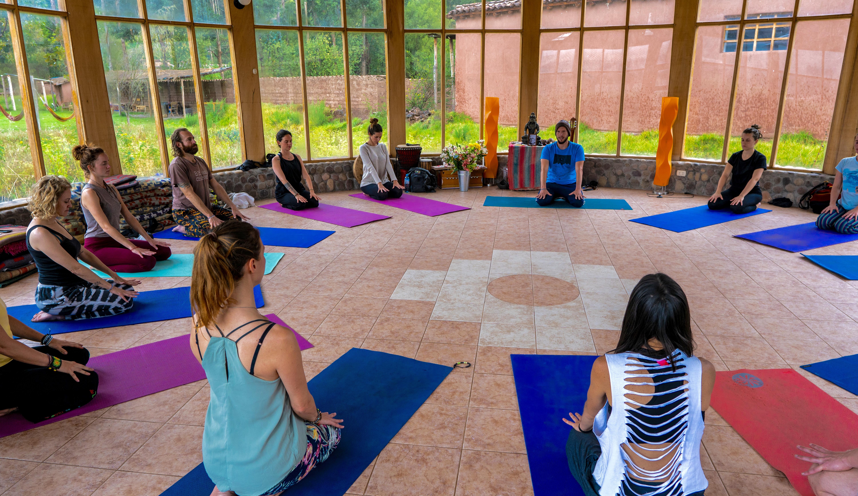 daya yoga class