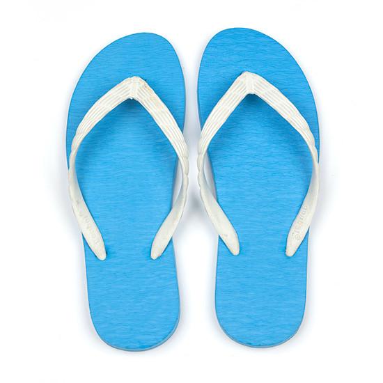げんべいのビーチサンダル23cmでカラフルな人気の色はソールが水色、鼻緒が白色です。
