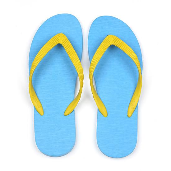 げんべいのビーチサンダル21cmでカラフルな人気色はソールが水色、鼻緒が黄色です。