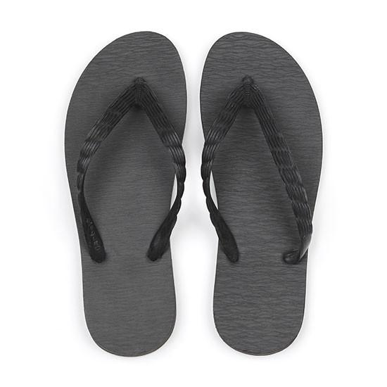 げんべいのビーチサンダル23cmで2番人気の色はソールが黒色、鼻緒が黒色です。
