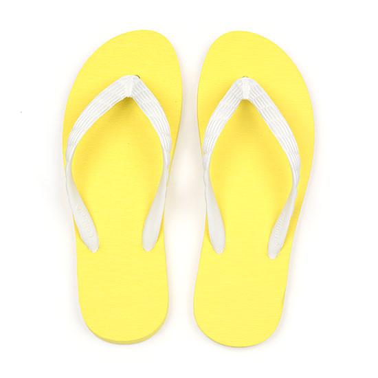 げんべいのビーチサンダル21cmでカラフルな人気色はソールが黄色、鼻緒が白色です。