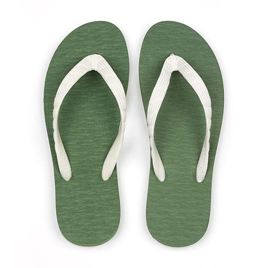 げんべいのビーチサンダル28cmで4番人気の色はソールが抹茶色、鼻緒が白色です。