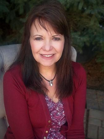 Lisa's Author Photo Final.jpg