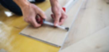 pemasangan lantai kayu.jpg