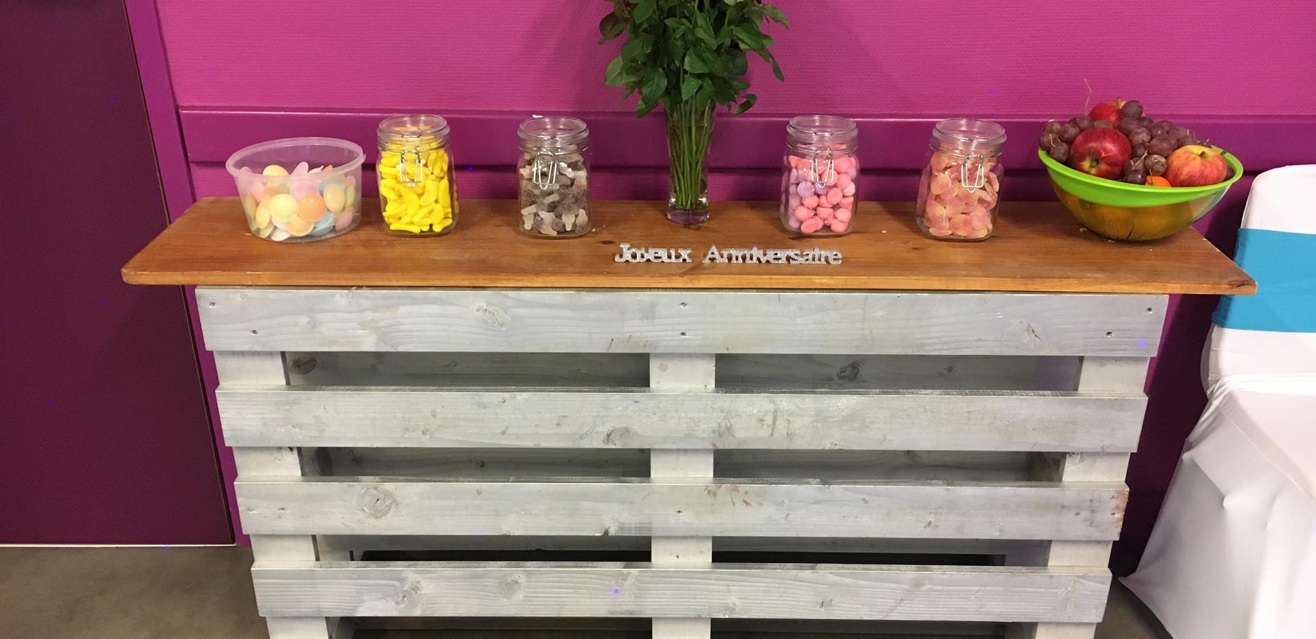 Candy's Bar
