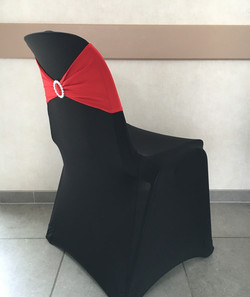 Housse Noire Bandeau Rouge