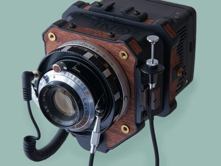 How to build a medium format film camera with a digital back? A hybrid model by Takuma Ikeda