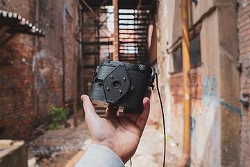 Scura-6x6-pinhole-film-camera-4.jpg