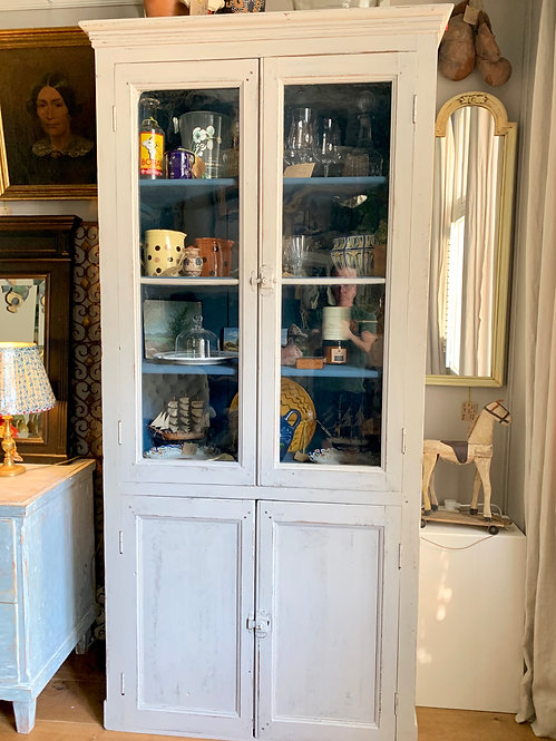 4 door Display case. Painted light grey. French Provincial