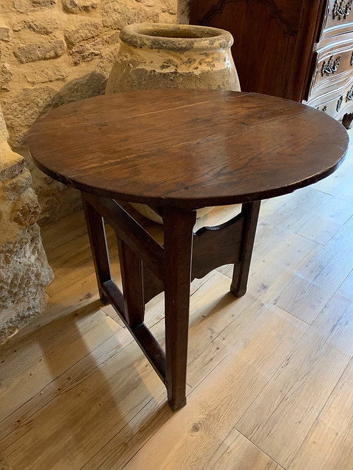 Small drop side table. 18th Century Oak