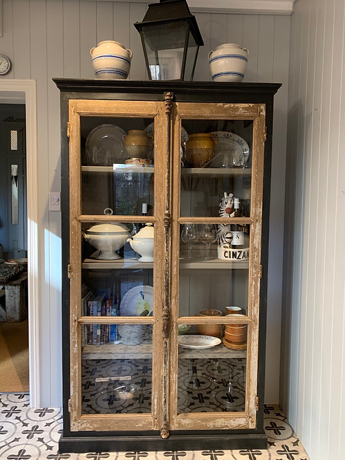 Double Door Vitrine with Cremorne Bolt