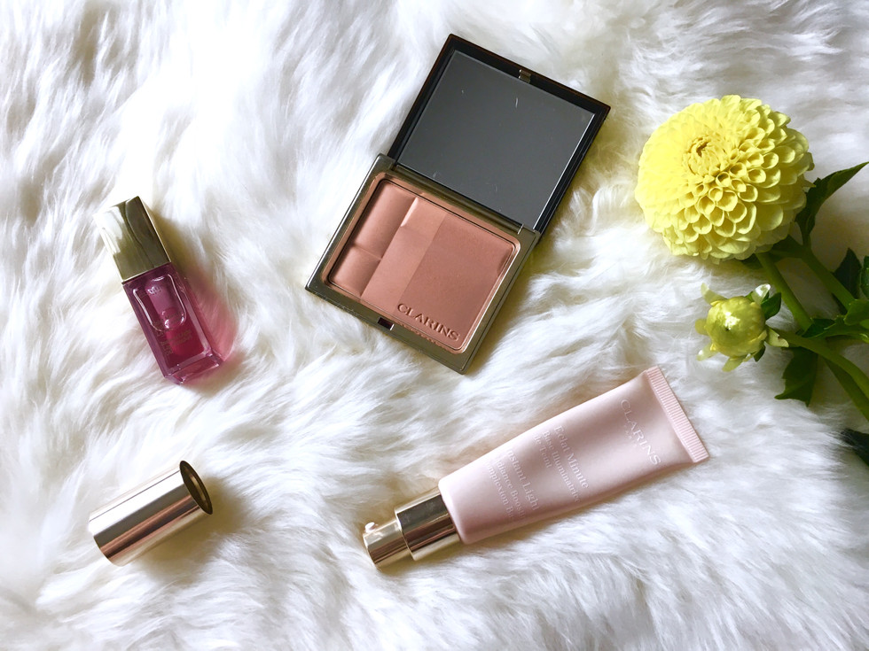 hang on to summer with clarins (giveaway)