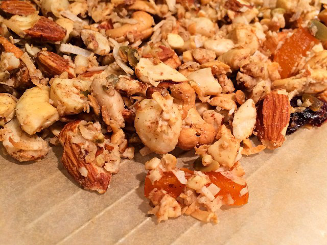 recipe: paleo & gluten-free granola!