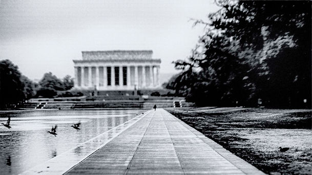 Lincoln Memorial with Ducks.jpg