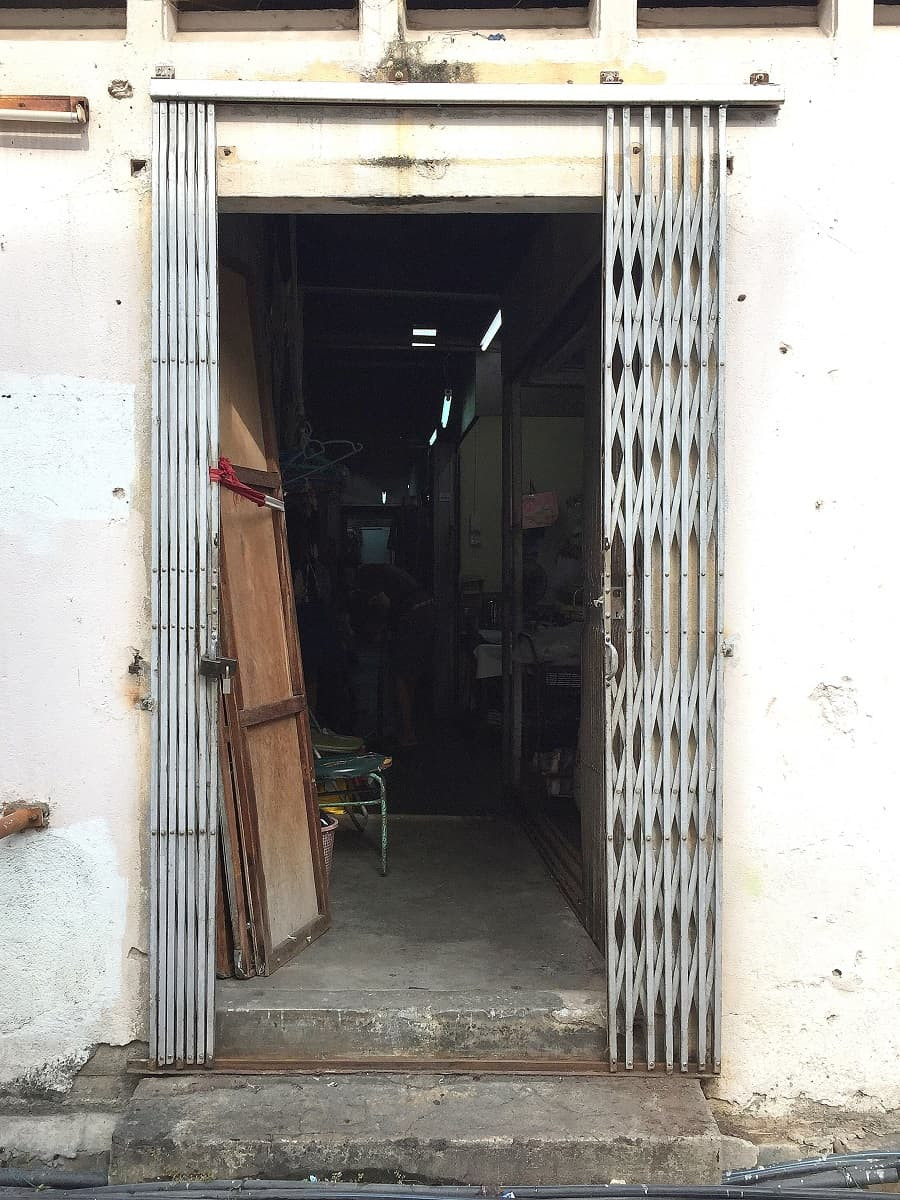 Side door assess to the cluster of tailors on Kee Ann Road Malacca