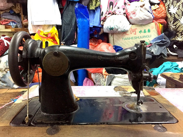 An old sewing machine in Kee Ann Road cluster of tailor shops.