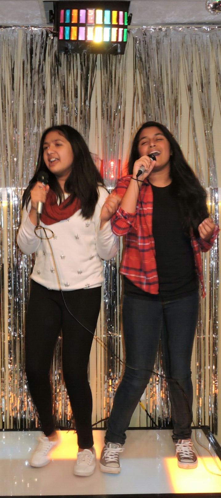 BFF Gal Pal Karaoke